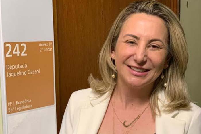 Jaqueline Cassol recebe novo gabinete e afirma estar pronta para assumir o mandato de deputada federal