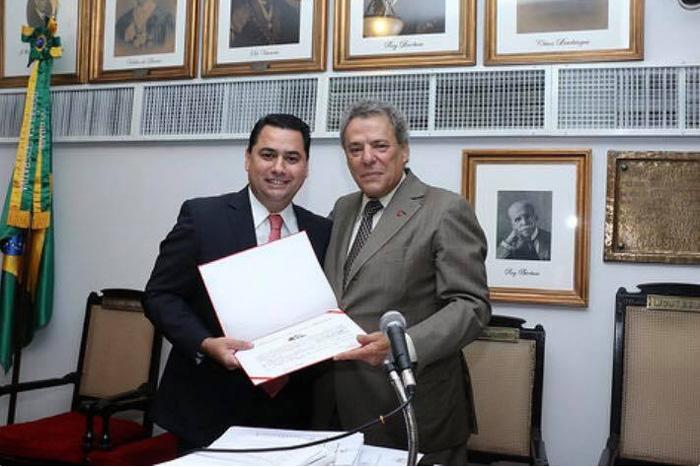 Breno de Paula é efetivado como membro do Instituto dos Advogados Brasileiros