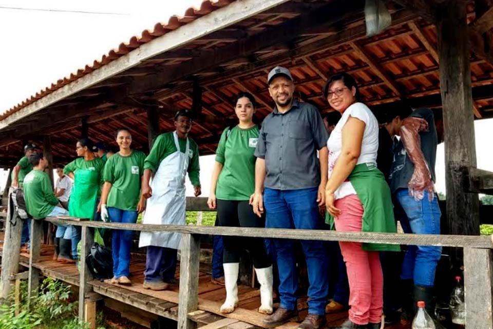 Produtores rurais de Rolim de Moura concluíram curso teórico e prático de inseminação artificial em bovinos le - Rondônia Dinâmica