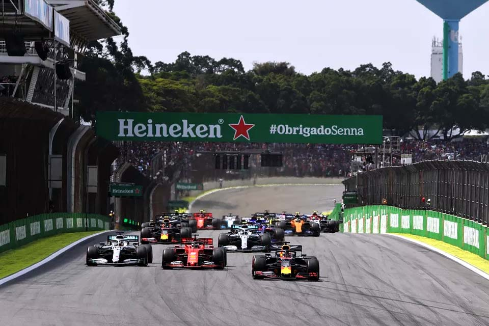 Promotor do GP do Brasil de F1 rebate Wolff e vê evolução da pandemia parecida com Europa
