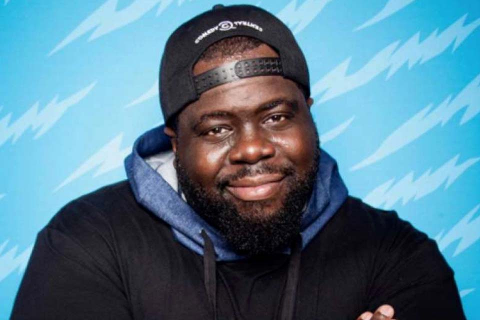 Aos 32 anos, morre comediante Chris Cotton