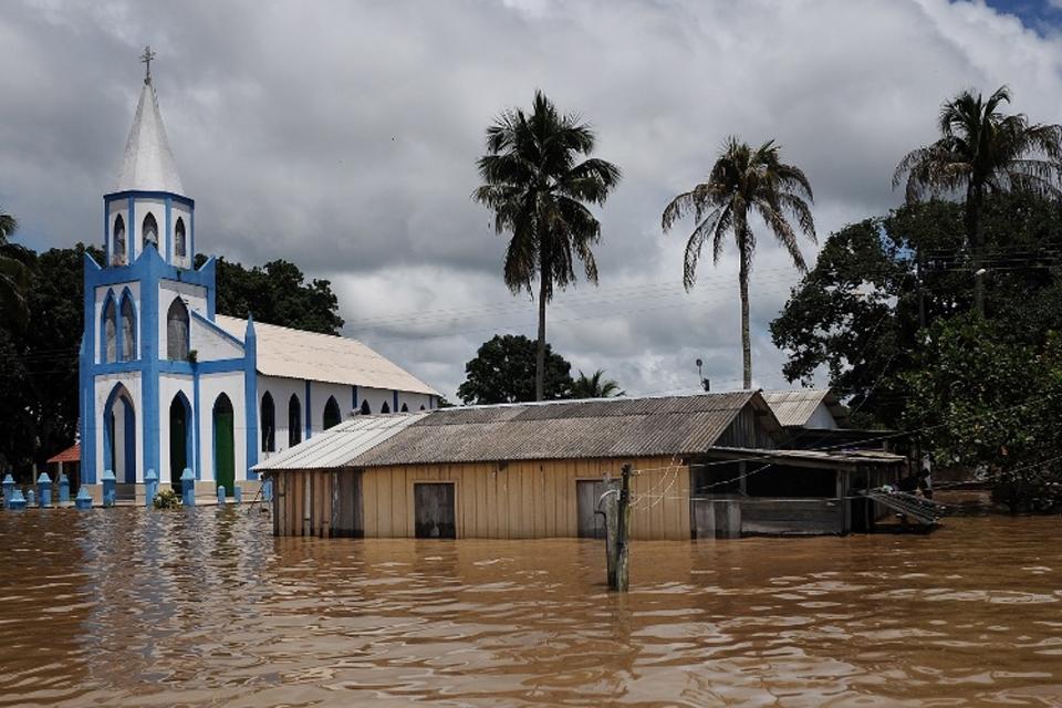 Justiça de Rondônia condena Santo Antônio Energia a indenizar em mais de R$ 1,3 milhão cinco famílias que perderam tudo na enchente de 2014