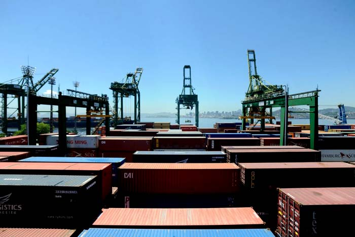 Anvisa e Receita Federal firmam parceria sobre importação de produtos