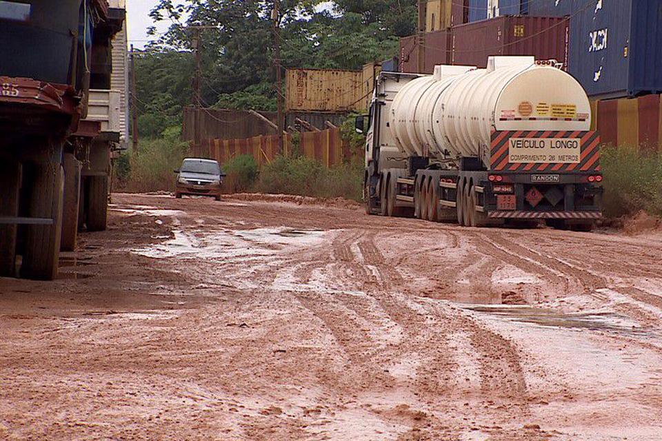 Sem estradas transitáveis não há como combater e controlar a pandemia