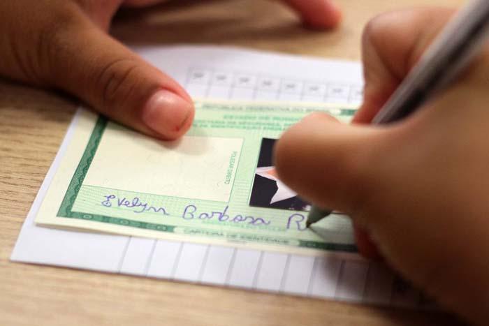 Carteira de identidade será unificada e entregue com mais rapidez em Rondônia