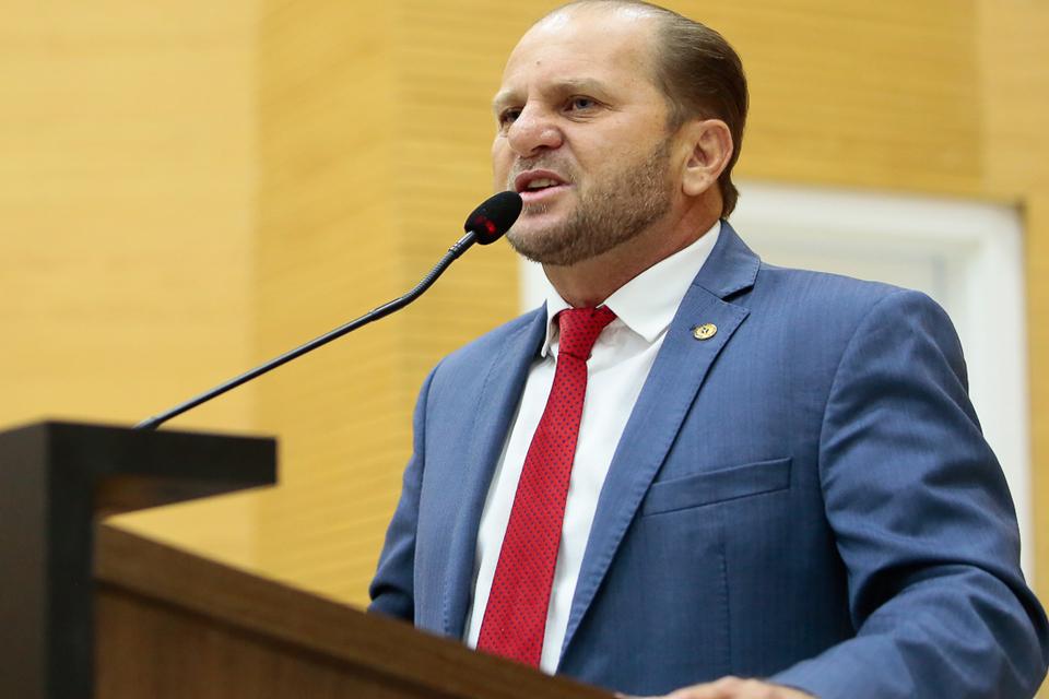 Deputado Cirone Deiró relata ao governador Marcos Rocha dificuldades do Cartão Alimentação Escolar