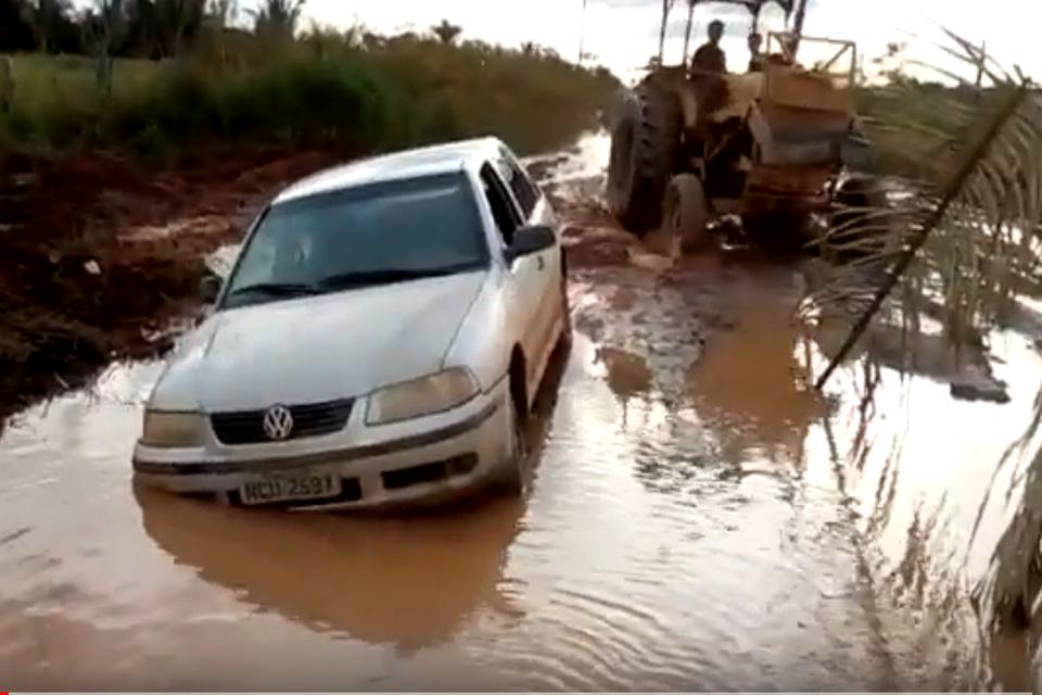 As ROs que deveriam estar pavimentadas estão esburacadas e as vicinais sem as mínimas condições de tráfego