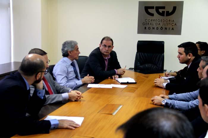 Corregedoria e Governo de Rondôniadiscutem instalação de Associações de Apoio a Condenados em todo o Estado