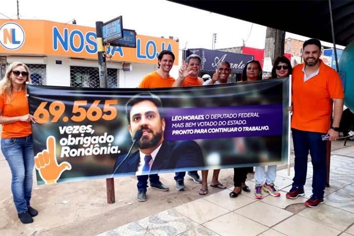 Eleito deputado federal, Léo Moraes retorna aos mesmos lugares para agradecer o apoio e reconhecimento