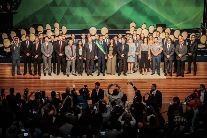 Governador Marcos Rocha dá posse a equipe de governo e diz que missão é promover a mudança que a população de Rondônia almeja