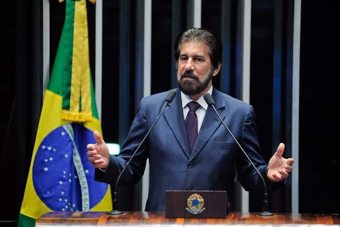 Raupp faz apelo a governo e trabalhadores da educação para fim da greve em Rondônia