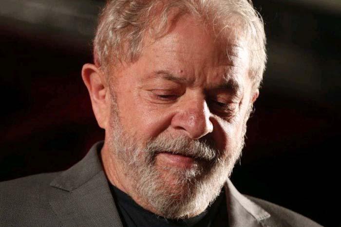 Moro decreta prisão de Lula para cumprir pena no caso triplex