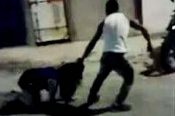 Porto Velho: mulher vai atr�s do ex e leva surra no meio da rua