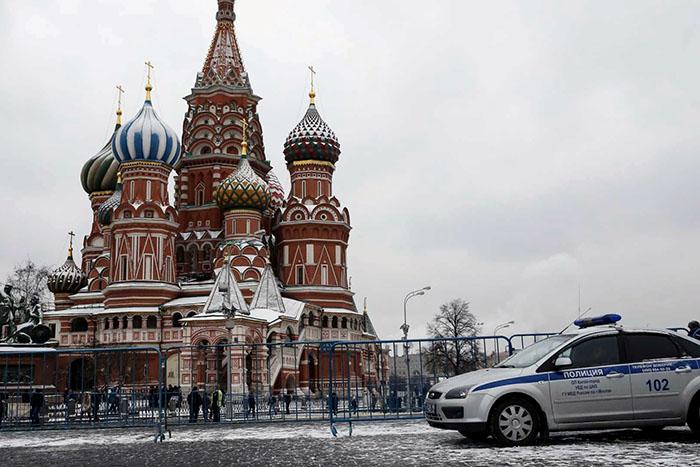 Ameças simultâneas de bombas evacuam milhares em Moscou