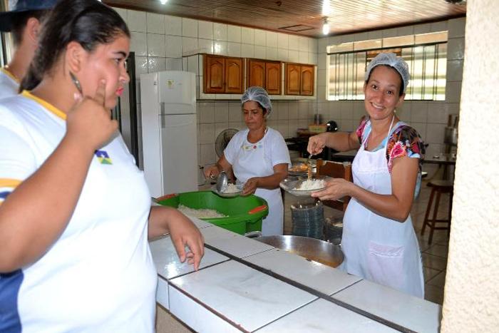 Peixe na merenda escolar é aprovado pelos estudantes de Ouro Preto do Oeste1