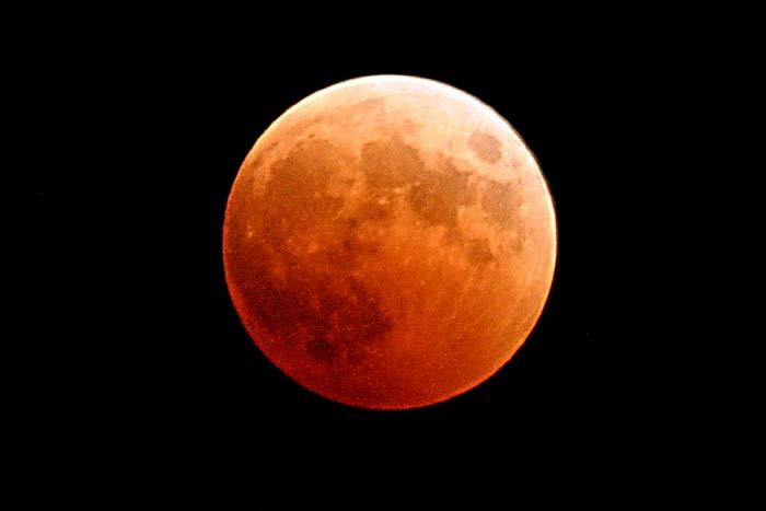 2019 começa com eclipse total de Superlua