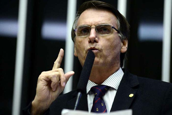 Perfis de apoio a Bolsonaro s�o deletados pelo Facebook