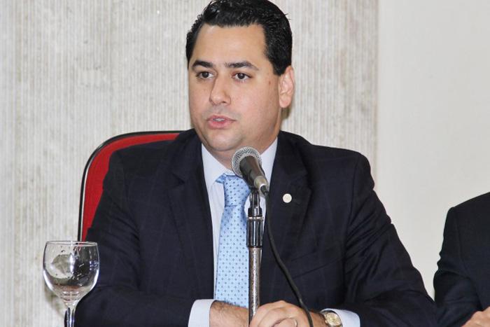 Conselheiro Federal da OAB por Rondônia lança livro sobre os 30 anos do Sistema Tributário em Brasília