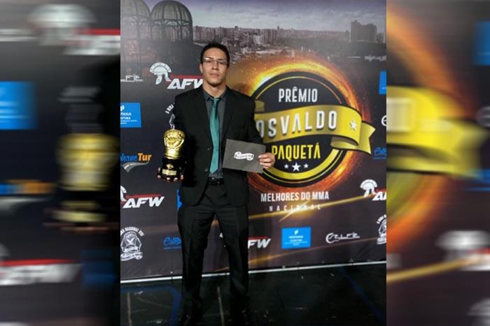 Henerson Nenem conquista prêmio de melhor lutador de 2018
