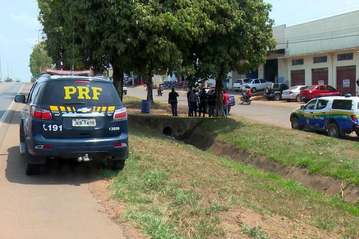 Morador de rua é encontrado morto em valeta às margens da BR-364