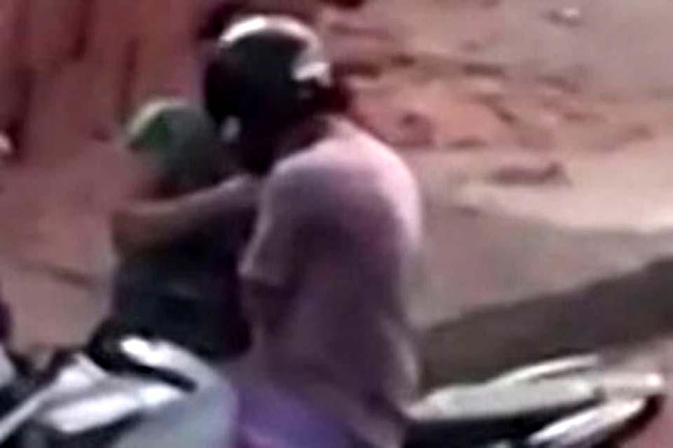 Homem é obrigado a pilotar moto com assaltante na garupa