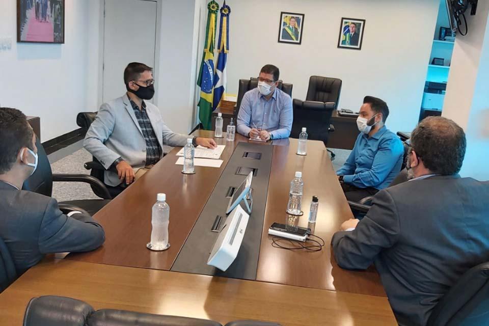 Em reunião com governador Marcos Rocha, deputado Anderson pede tratamento igualitário para servidores do sistema socioeducativo, Detran e isonomia para a Policia Penal